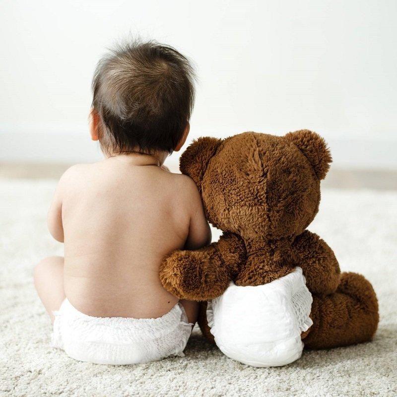 bébé couche